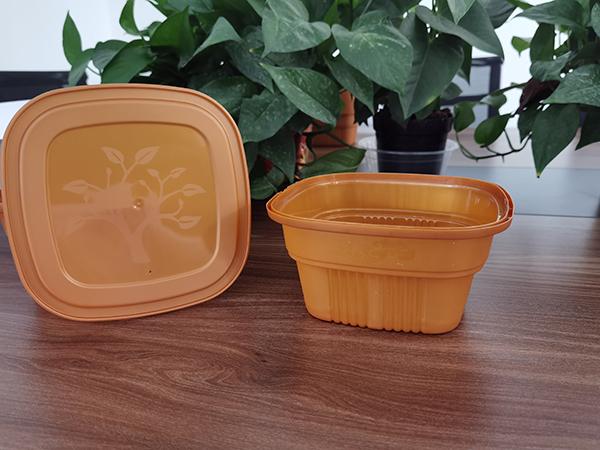 河北海虹:塑料餐具清洗和去除异味很重要